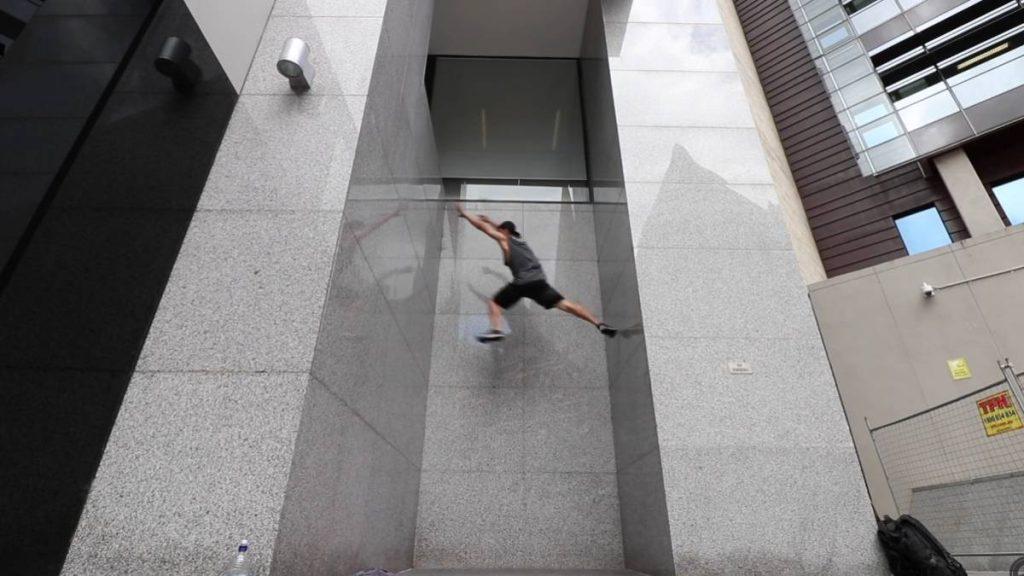 El parkour de Jesse Turner desafía las leyes de la gravedad
